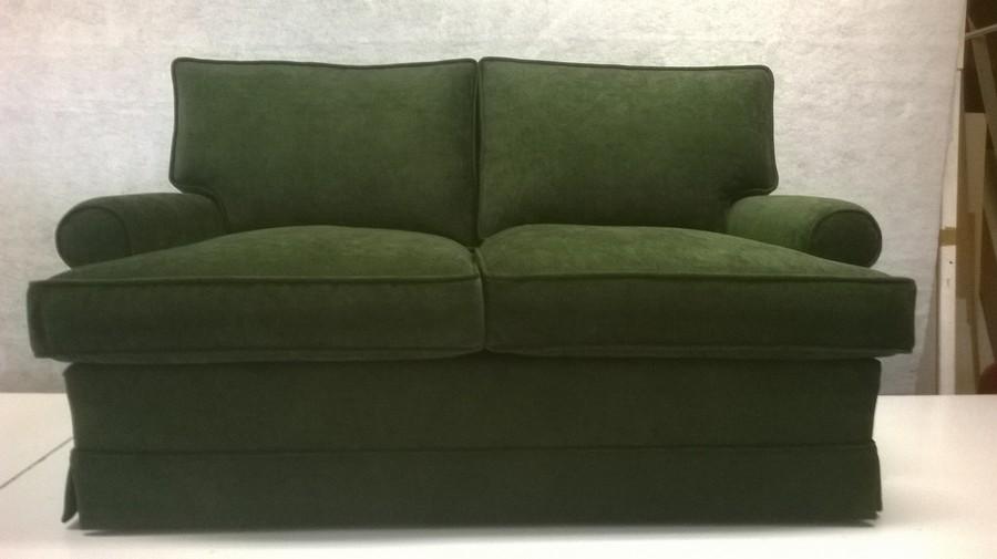 Rifacimento divani ed imbottiti achini ezio tappezziere a casciago varese - Facciamo saltare i bulloni a questo divano ...